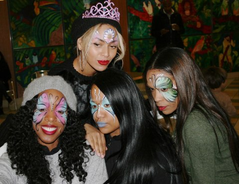 Beyonce with her girls!