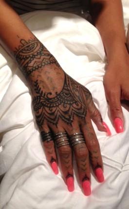 Rihanna henna and tattoo