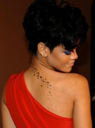 rihanna_back_tattoo_stars