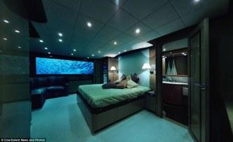 Submarine photo 1