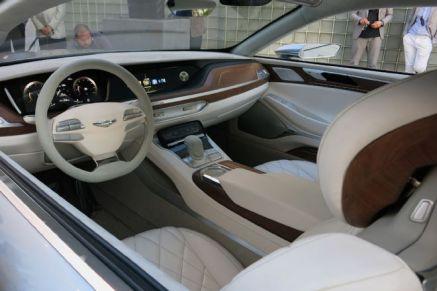 hyundai-vision-g-coupe-concept-live-reveal-cockpit